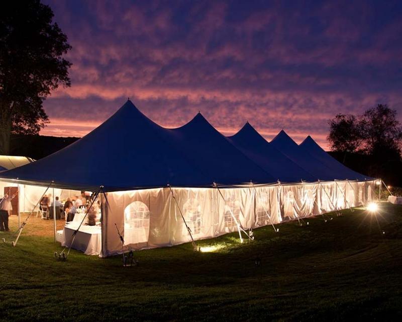 Wedding tent with sidewalls